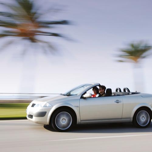 Een zakelijke reis wordt stukken relaxter met all-in autoverhuur. Op meer dan 8.000 bestemmingen wereldwijd rij je 100% zorgeloos rond.